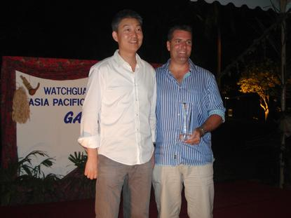 Joe Wang, CEO of WatchGuard Technologies (left), with Dominic Whitehand, Managing Director, WhiteGold Solutions.