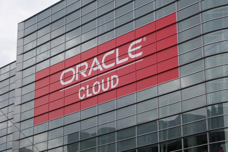Oracle Cloud 'Identical' in Data Centers and the Public Cloud, VP Says