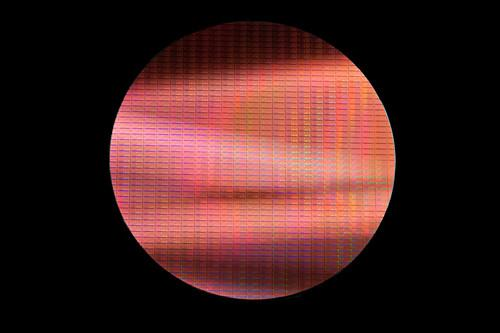 Intel's 14-nm Broadwell wafer