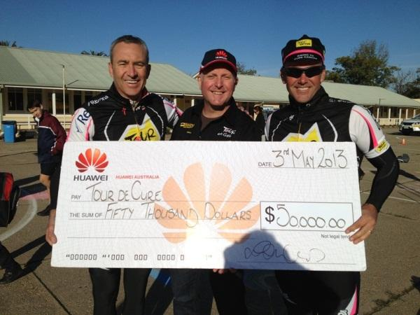 Huawei Australia corporate affairs director, Jeremy Mitchell, presented the cheque to the charity on the Sunrise TV program in Albury, NSW.