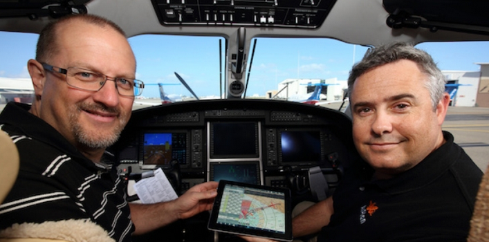 Simon Hacket and AvSoft managing director Bevan Anderson.