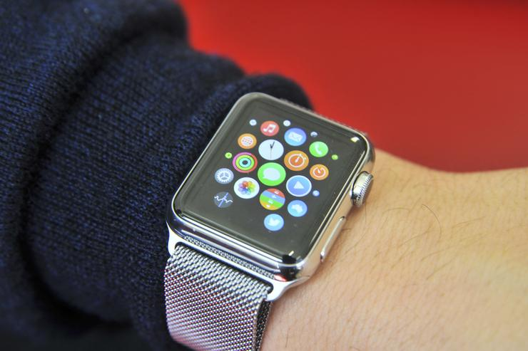 We're testing the 38mm Apple Watch with the Milanese Loop