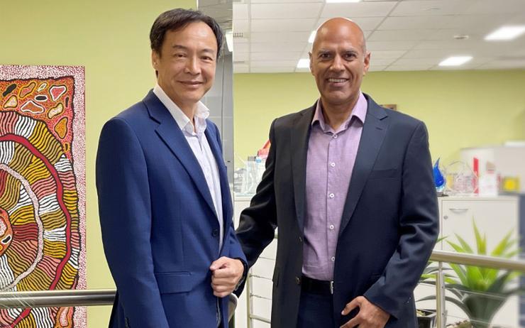 Johnson Hsiung (Bluechip Infotech) and Munsoor Khan (DNA Connect)