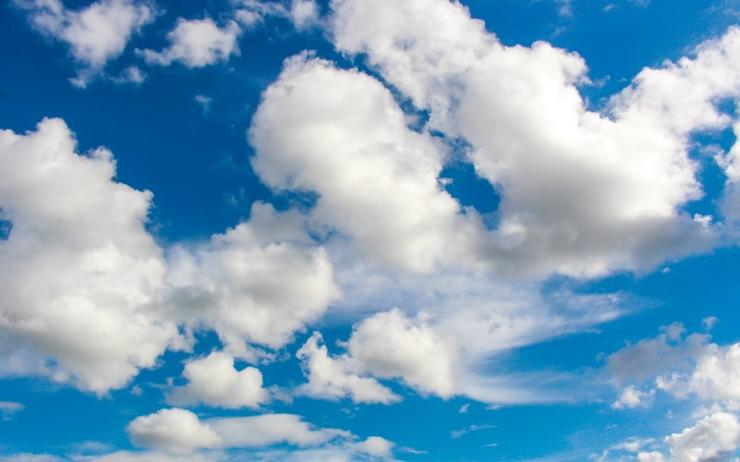Cloud services and infrastructure spending hits US$150B