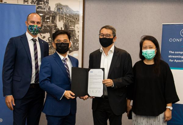 Derk Van Ogtrop (Confluent), Damien Wong (Confluent), Francis Choo (Ingram Micro) and Eunice Lau (Ingram Micro)