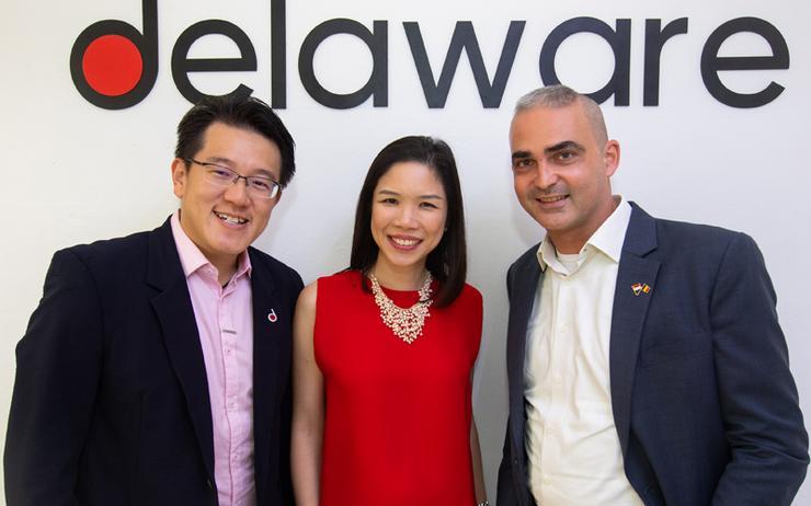 L-R: Goh Zhi Wei, Yeo Pei Lin and Christophe Derdeyn (Delaware)