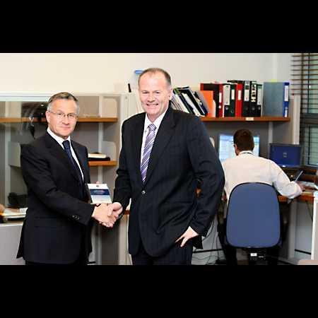 Finance minister Lindsay Tanner (right)