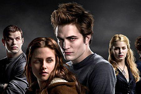 Twilight movie fans are being targeted by hackers and malware scams.