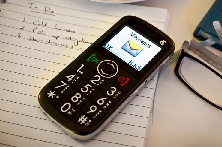 Telstra's EasyCall 2 mobile phone