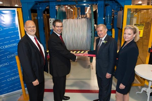 (L-R) Corning Cabling Systems Australia managing director, Rainer Dittrich, Senator Stephen Conroy, Minister Simon Crean and Corning Cable Systems senior vice-president of global carrier networks and customer experience,Kimberly Hartwell