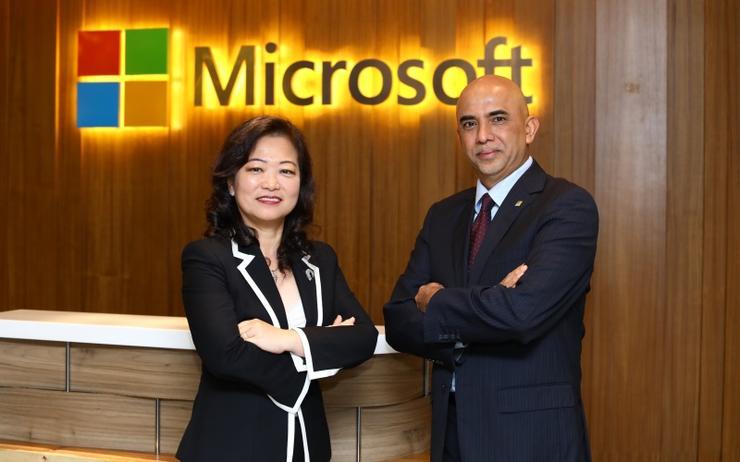(l-r) Lim Bee Wah and K Raman (Microsoft)
