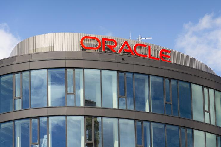 Oracle, VMware partner to support hybrid cloud strategies