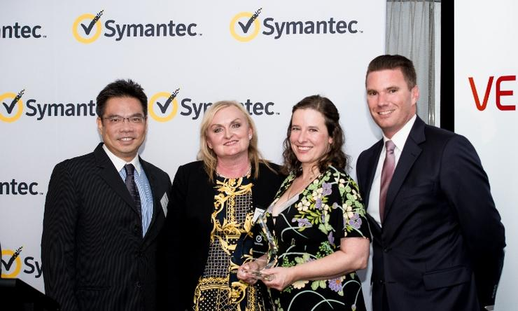 Edwin Yeo, Symantec; Janet Docherty Veritas; Beth Massey, Ingram Micro; Paul Simos, Veritas