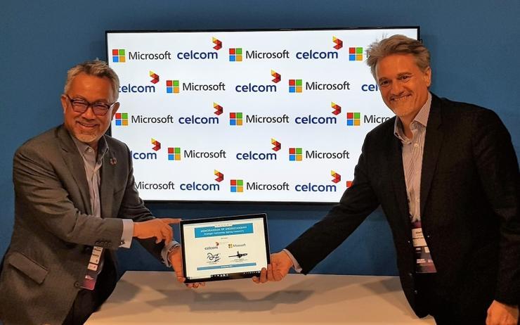 L-R: Idham Nawawi (Celcom Axiata Berhad) and Alberto Granados (Microsoft)