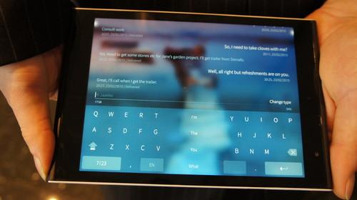 Version 2.0 of Jolla's operating system Sailfish has a split keyboard