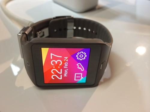 The Gear 2 smartwatch closely resembles its predecessor, but with a few notable feature additions.