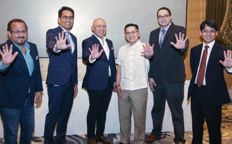 L-R: Albert de Larrazabal (Globe Telecom); Peter Maquera (Globe Business); Ernest Cu (Globe Telecom); Dennis Omila (UnionBank); Ryan Acosta (UnionBank) and Paulo Santos (UnionBank)