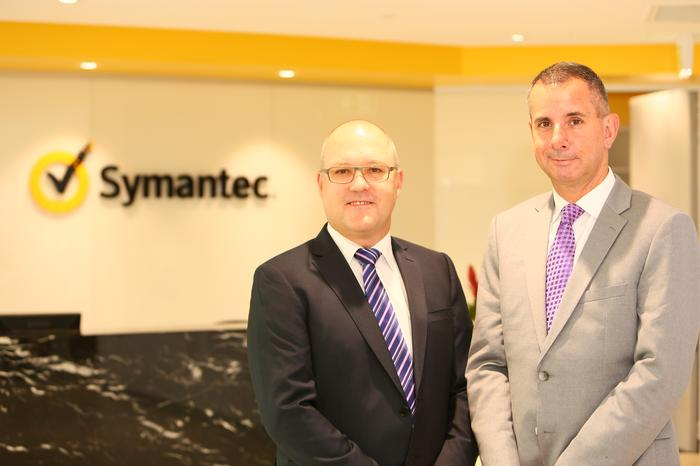Symantec Pacific channel and alliances senior director, Klasie Holtzhausen (left), with Asia Pacific and Japan senior vice president, Adrian Jones (right)